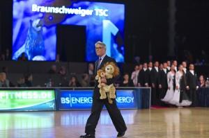 1. Platz Standard Braunschweiger TSC Deutsche Meisterschaft der Formationen in Braunschweig am 9. November 2013 Foto: Frank Rieseberg