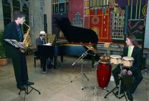 Jazzpianopreisträger bei einem Tastentaumelkonzert 2012 in der Dornse. Foto: Tastentaumel