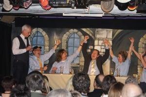 Jubel, Trubel, Heiterkeit: Nicht nur auf der Bühne. Foto: Almut Deiters