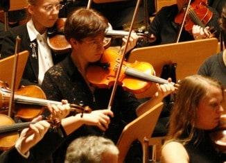 Violinistin Dr. Gabriele Streicher während eines Konzerts in Hamburg. Foto: privat