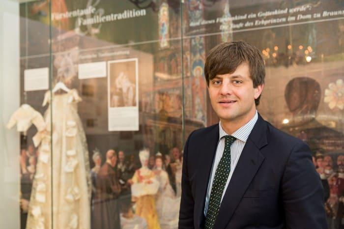 Ernst August Erbprinz von Hannover Herzog zu Braunschweig und Lüneburg kam zur Ausstellungseröffnung ins Schlossmuseum. Foto: Schlossmuseum/Marek Kruszewski
