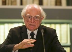 Der Historiker Professor Dr. Hans-Ulrich Wehler bei seiner Dankesrede in der Herzog August Bibliothek Wolfenbüttel. Foto: Peter Sierigk