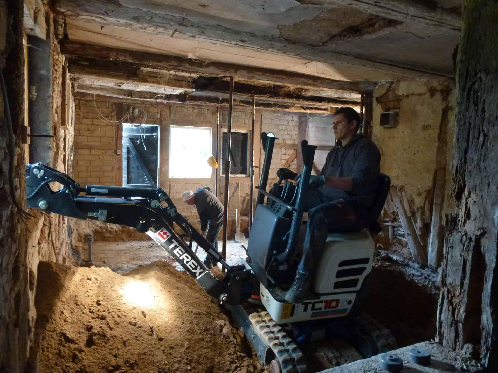 Der Boden Im Haus Wurde Ausgekoffert Um Eine Betonsohle Giessen Zu