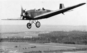 Pilot Morzik aus Braunschweig, Sieger des Europaflugs (1929)