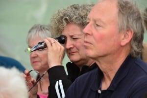 Auch Besucher konnten das Imker-Refraktometer testen. Foto: Andreas Greiner-Napp