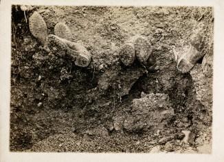 Verschüttete Soldaten, 1914 -1918, Fotograf unbekannt, privater Leihgeber, Reproduktion: Braunschweigisches Landesmuseum /C. Cordes