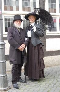 Thomas Ostwald als Friedrich Gerstäcker mit seiner Tochter. Foto: Museum