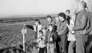 Sektlaune an der offenen Zonengrenze (11. November 1989). Foto: Bernd-Uwe Meyer