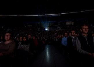 Gebanntes Publikum beim Filmfest. Foto: Filmfest/Marek Kruszewski