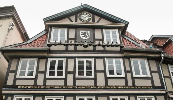 """Das """"Eulenspiegel-Haus"""" am Kohlmarkt wurde im Jahre 1758 vom Hofbaumeister Georg Christoph Sturm errichtet. Foto: Thomas Ostwald"""