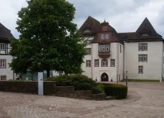 Der Hof von Schloss Fürstenberg ist frisch gepflastert. Foto: Die Braunschweigische Stiftung
