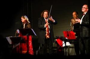 Christian Horn, Solobassist des Staatsorchesters Braunschweig, begeisterte die Sommerfest-Gäste mit dem Ensemble Melange. Foto: Andreas Greiner-Napp