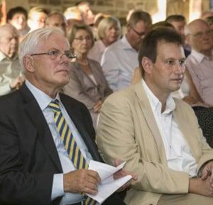 Stiftungspräsident Gerhard Glogowski und Dr. Henning Steinführer. Foto: Peter Sierigk