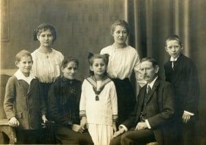Die Familie Otto Bennemanns (rechts außen) aus dem Jahr 1917. Foto: Stadtarchiv G IX 76_725