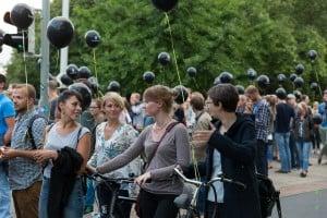 Die Luftballons waren das Erkennungszeichen bei der dritten Tour. Foto: Justus Zeemann