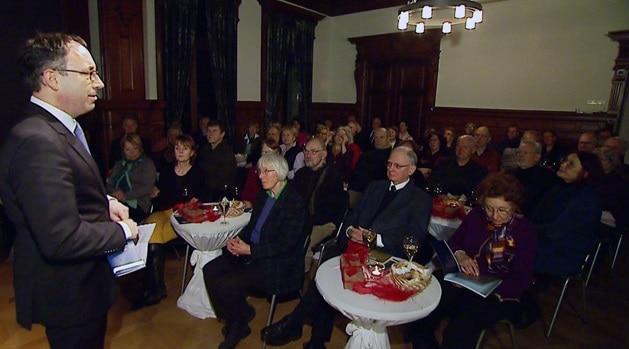 """Tobias Henkel, Direktor der Stiftung Braunschweigischer Kulturbesitz, begrüßt die Gäste von """"Erlesenes 2014"""". Foto: Knut Bussian"""