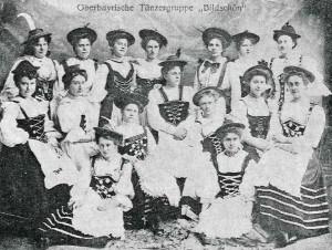 """Die bayrische Tanzgruppe """"Bildschön"""" trat 1906 beim Eisbeinessen des Technikervereins Braunschweig auf. Foto: Technikerverein"""