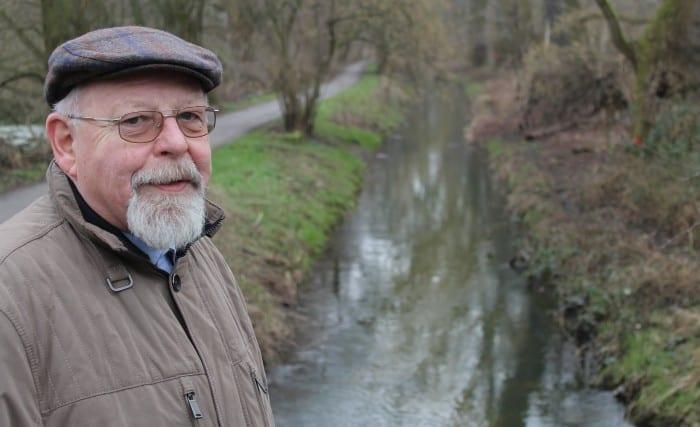 Stadtheimatpfleger Reinhard Wetterau am Karl-Kanal. Foto: meyermedia