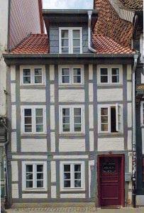 Ölschläger 12 mit denkmalgerechten Fenstern und denkmalgerechter Haustür. Screenshot : Denkmalpflegebericht 2012/2013