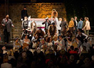 """Die gesamte Burg Warberg wird, wie im vergangenen Jahr bei """"Martha"""", zur Opernbühne. Foto: Sebastian Petersen / Burg Warberg"""