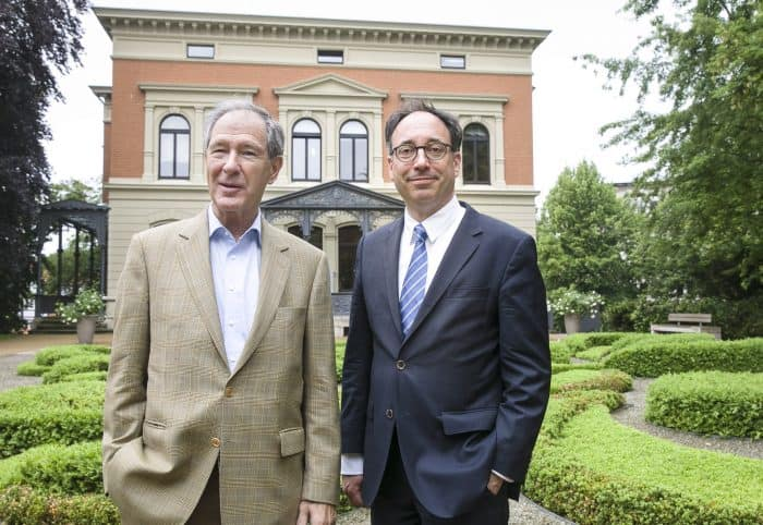 SBK-Präsident Dr. Gert Hoffmann und SBK-Direktor Tobias Henkel (rechts). Foto: Peter Sierigk