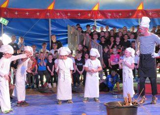 Die Kinder hatten viel Spaß daran, selber Zirkus zu machen. Foto: Susanne Jasper