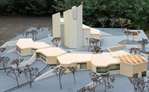 Das Modell von der St.-Thomas-Kirche mit Gemeindezentrum. Foto: meyermedia
