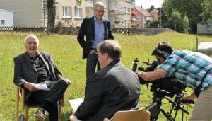 Ulrich Hausmann (links) bei den Dreharbeiten zum Video mit (von links) Ulrich Knufinke, Norbert Funke und Kameramann Knut Bussian. Foto: meyermedia
