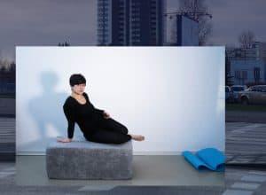 Romina Abate inszeniert sich in ihren Bilderwelten selbst. Foto: Romina Abate