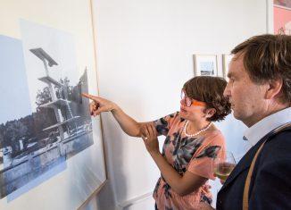 Die Jury wirft kritische Blicke auf die Bewerbungen. Foto: Die Braunschweigische Stiftung / Marek Kruscewski