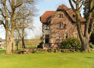 Das Glasmuseum Boffzen befindet sich in einer ehemaligen Unternehmer-Villa.