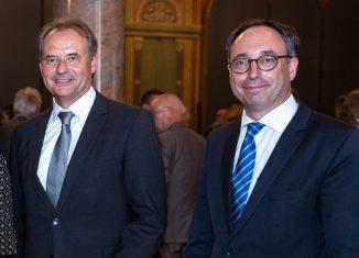 Der neue SBK-Präsident Ulrich Markurth (links mit SBK-Direktor Tobias Henkel) hält die Eröffnungsrede der 23. Helmstedter Universitätstage. Foto: Verena Meyer