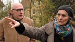 Kuratorin Anne Mueller von der Haegen (rechts) mit Kooperationspartner mit Professor Ulrich Eller von der Hochschule für Bildende Künste (HBK). Foto: Allgemeiner Konsumverein