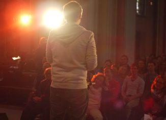 Slammer tragen eigene Texte vor Publikum vor. Foto: Andreas Reiffer