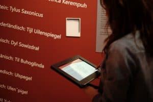 Tablets bieten den Besuchern vielfältige Informationen. Foto: Meike Buck