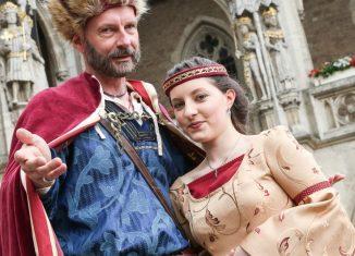 Heinrich der Löwe und Mathilde beim Festumzug anlässlich der Heinrich-Festspiele. Foto: Heinrich- Festspiele