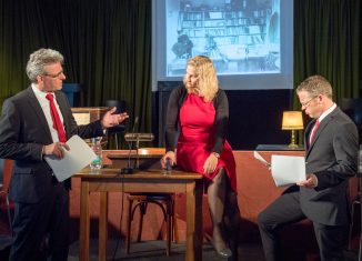 Szenenfoto mit (von links) Hans Stallmach, Kathrin Reinhardt, Ronald Schober. Foto: Klaus G. Kohn