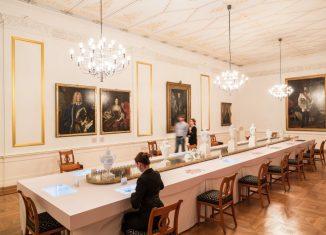 Der Weiße Saal mit dem Historischen Menü im Schlossmuseum Braunschweig. Foto Marek Kruszewski