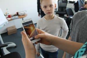 Auf dem Smartphone funktioniert die selbst entwickelte App. Foto: Der Löwe