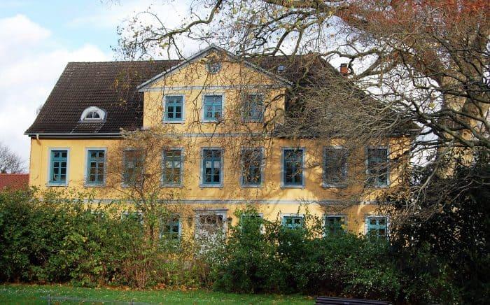 Die ehemalige Garnisonsschule. Foto Thomas Ostwald