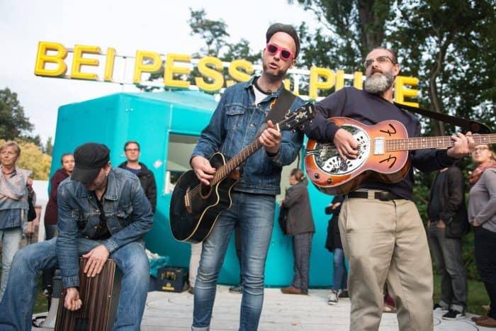 Überraschende Auftritte an ungewöhnlichen Orten sind das Prinzip der Stadtfinder. Foto: Stadtfinder/Stephen Dietl