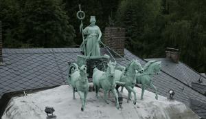 So stand die Quadriga bis März dieses Jahres auf der Seesener Züchner-Villa. Foto: privat
