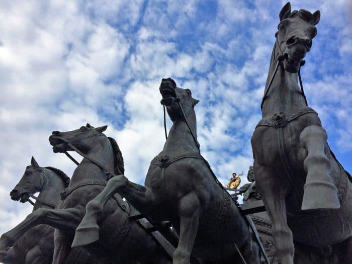 Imposante Erscheinung: Die Pferde der Quadriga auf dem Residenzschloss. Foto: Schlossmuseum