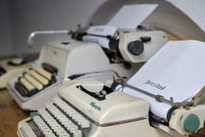 Auf alten Schreibmaschinen können Gäste ihre Meinung zur Ausstellung formulieren. Foto: Andreas Greiner-Napp