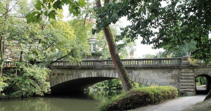 Die Theaterbrücke, Nordansicht. Foto: Der Löwe