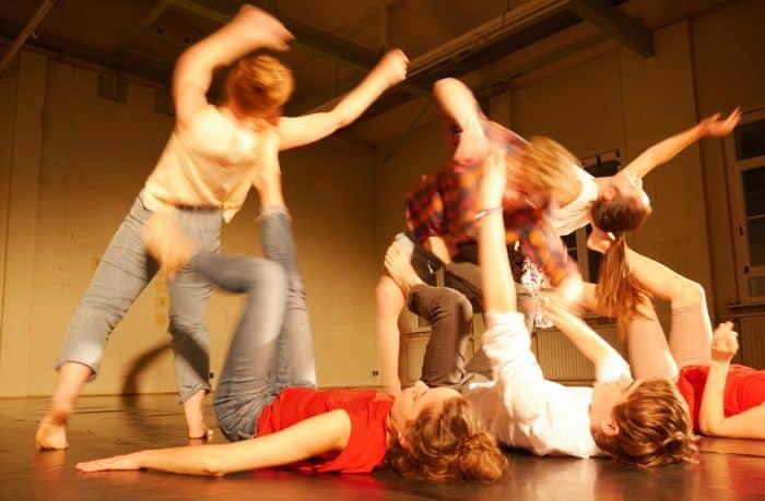Jugendliche entwickeln ihre eigene Choreografie. Foto: Anna Maria Warzecha