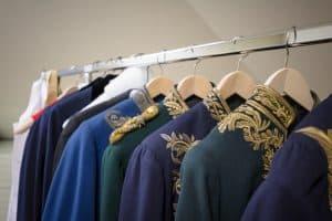 Die im Braunschweigischen Landesmuseum gelagerten zivilen Uniformen zivilen wurden nach Schimmelbefall aufgearbeitet. Foto: BLSM / Anja Pröhle