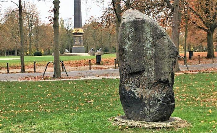Der Runenstein. Foto: Der Löwe