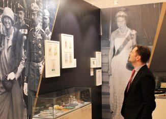 Georg Friedrich Prinz von Preußen in der Ausstellung. Foto: Schlossmuseum