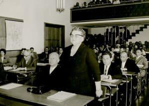 Martha Fuchs bei ihrer Amtsübernahme im Ratsaal. Foto: Stadtarchiv